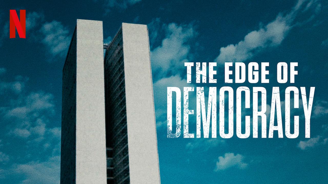 На ръба на демокрацията